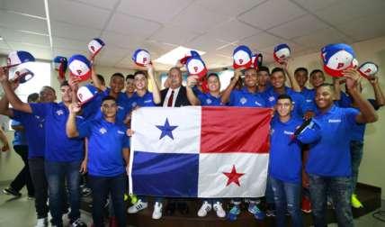 Los jugadores que integran la Selección Sub-14 de Béisbol de Panamá. Foto y vídeos: Anayansi Gamez
