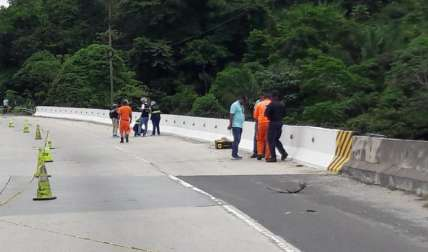 Bajo este puente fue hallado el cuerpo el domingo. Foto Archivo