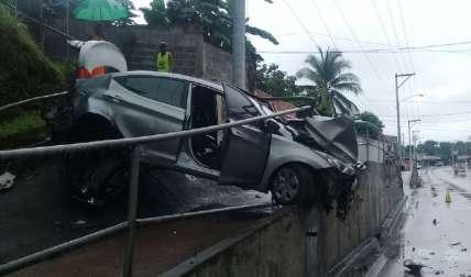 Así quedó el auto accidentado en Panamá Este, a causa de la velocidad.  Foto Cortesía Tomada de @TrafiCPanama