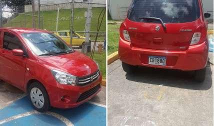 WhatsAppCri: Lo pillan utilizando estacionamiento especial