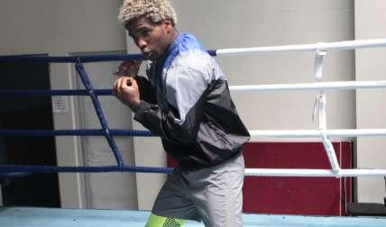 """Jezreel """"El Invisible"""" Corrales durante su entrenamiento de ayer jueves en el gimnasio de boxeo de Pandeportes. Foto: Anayansi Gamez"""