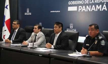 En conferencia de prensa ayer, viernes. Foto Cortesía