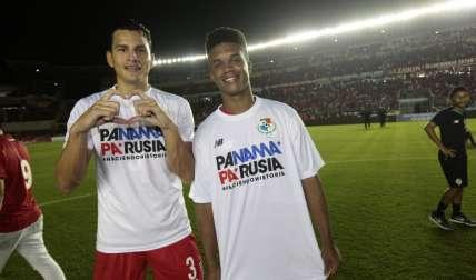 Jan Carlos Vargas (izq.), del Tauro FC, y Luis Ovalle, ex del Sporting San Miguelito. Foto: Anayansi Gamez