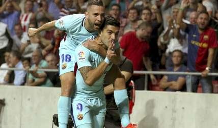 Luis Suárez consiguió la igualada en el minuto 82. Foto: AP