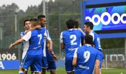 Díaz celebra con sus compañeros. Foto: Cortesía