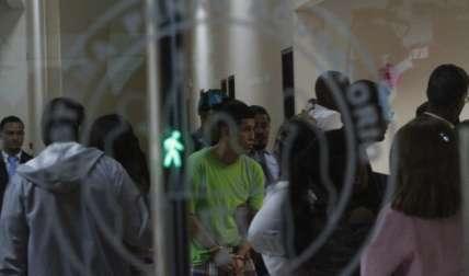 Los sujetos imputados por el doble asesinato fueron llevados al juzgado bajo estrictas medidas de seguridad.  BFotos Edwards Santos Crítica