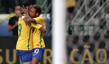 Los jugadores de la selección brasileña Neymar (d) y Gabriel Jesús (i) /EFE