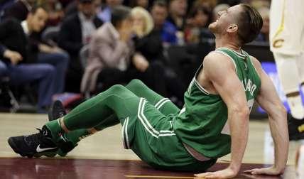 Gordon Hayward  se fracturó la tibia y se dislocó el tobillo de la pierna izquierda. / Foto AP