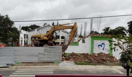 Demolición del templo.  Foto: Eric Ariel Montenegro