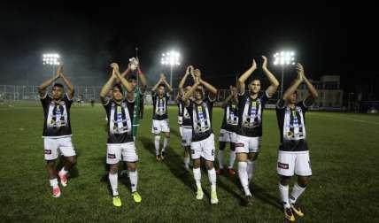 """Los """"toros"""", que suman 30 unidades, mandan en este Apertura. Foto:EFE"""