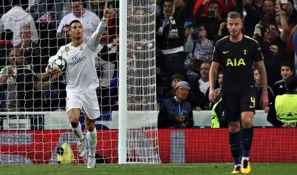 Cristiano Ronaldo celebra el primer gol de su equipo ante el Tottenham, durante el partido de Liga de Campeones /EFE
