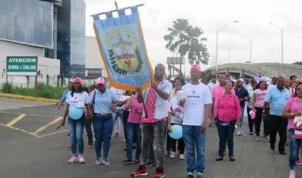 Caminata contra el cáncer en Colón
