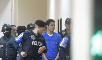 Gilberto Ventura Ceballos llega a la sede del Sistema Penal Acusatorio (SPA) Foto: Edwards Santos
