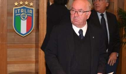 Tavecchio alegó que renunció por razones políticas. Foto: efe