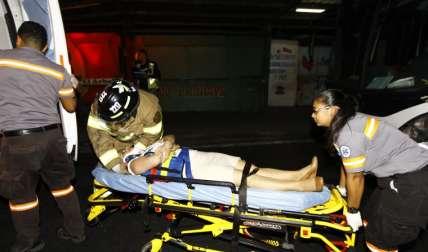 Los heridos fueron llevados al HST. Foto Alexander Santamaría Crítica