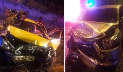 Producto del fuerte impacto ambos vehículos terminaron con serios daños en la parte frontal de las carrocerías. Foto: @TraficoCPanama