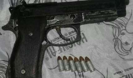 Arma de fuego que le fue decomisada al individuo. Foto: José Vásquez