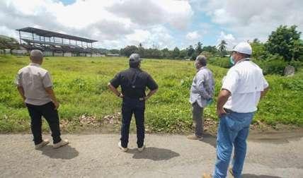 El aeropuerto en su momento fue utilizado por las antiguas empresas de bananas, Chiriquí Land Company y la Cooperativa de Servicios Múltiples de Puerto Armuelles, R.L. ( Coosemupar).