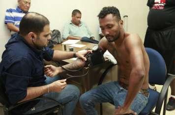 "Anselmo ""Chemito"" Moreno durante la toma de presión. Foto: Anayansi Gamez"