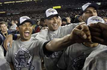 Mariano Rivera, junto a Derek Jeter. Foto: AP