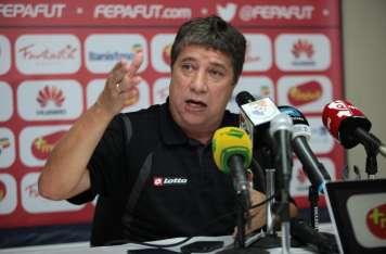 """""""El Bolillo"""" Gómez, técnico de Panamá  Foto:Anayansi Gamez"""